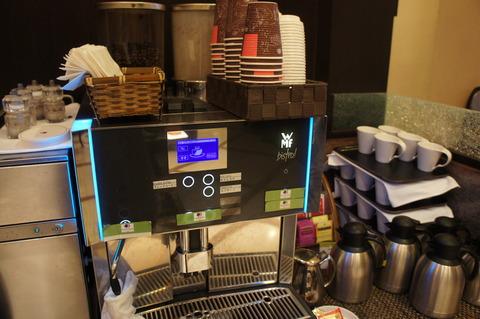 ダブルツリーbyヒルトン那覇の食後のコーヒー