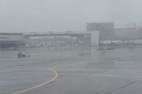 成田空港第3ターミナル渡り廊下