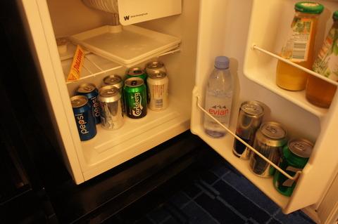香港スカイシティマリオットホテルの冷蔵庫