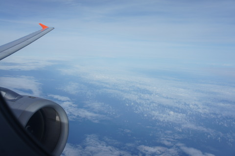 ジェットスター離陸後は青空が広がっている