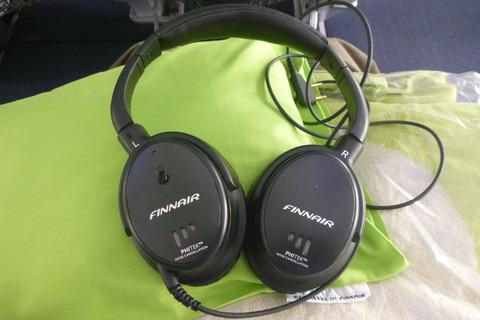 フィンエアーA350-900XWBエコノミーコンフォートノイズキャンセリングヘッドフォン
