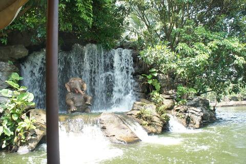 香港ディズニーランド ジャングル・リバー・クルーズ