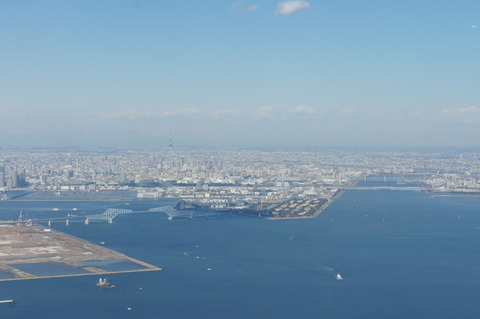 JALファーストクラスから眺める東京スカイツリー