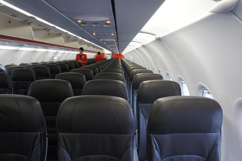 ジェットスターA320の機内